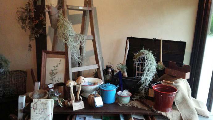 茂原市の古民家カフェのディスプレイ