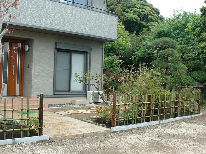 四つ目垣(御影石のアプローチ・景石・移植工事)